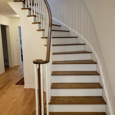 dustless-stairs-refinishing-white-pickets
